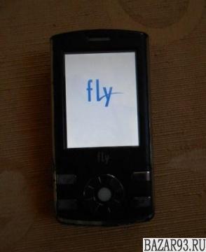 Продам телефон Fly E300