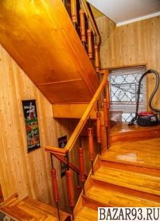 Продам дом 3-этажный дом 220 м² ( кирпич )  на участке 7 сот.  ,  в черте города