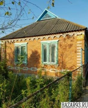 Продам дом 1-этажный дом 64 м² ( кирпич )  на участке 8 сот.  ,  в черте города