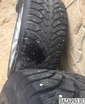 Резина зимняя шипованноя на BMW на F10