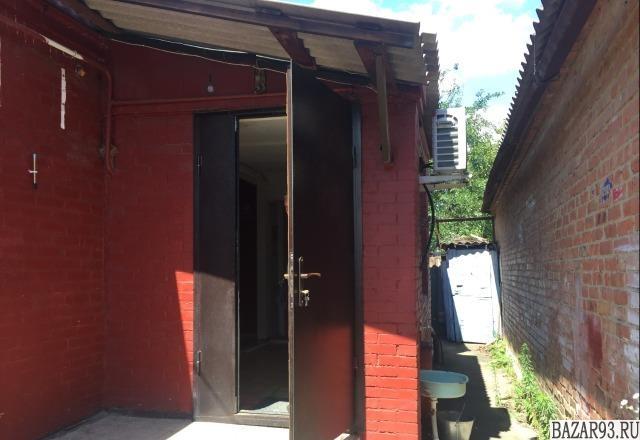 Продам дом 1-этажный дом 55 м² ( кирпич )  на участке 3 сот.  ,  в черте города
