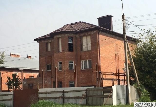 Продам дом 4-этажный дом 600 м² ( кирпич )  на участке 10. 5 сот.  ,  в черте го