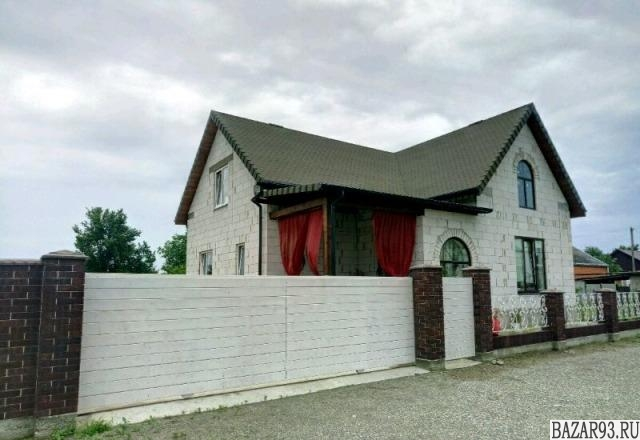 Продам дом 2-этажный дом 127 м² ( газоблоки )  на участке 6 сот.  ,  в черте гор