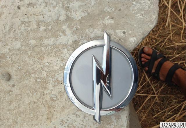 Кнопка багажника на Opel astra j GTC