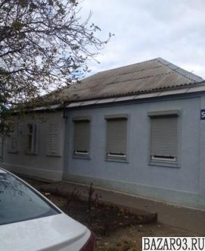 Продам дом 1-этажный дом 105 м² ( кирпич )  на участке 6 сот.  ,  в черте города