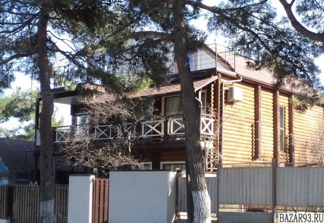 Сдам дом посуточно 3-этажный дом 200 м² ( бревно )  на участке 3 сот.  ,  в черт