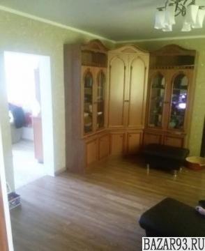 Продам дом 1-этажный дом 140 м² ( кирпич )  на участке 8 сот.  ,  12 км до город