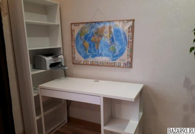 Мебель для дома и офиса.  Два комплекта.  Цвет белый