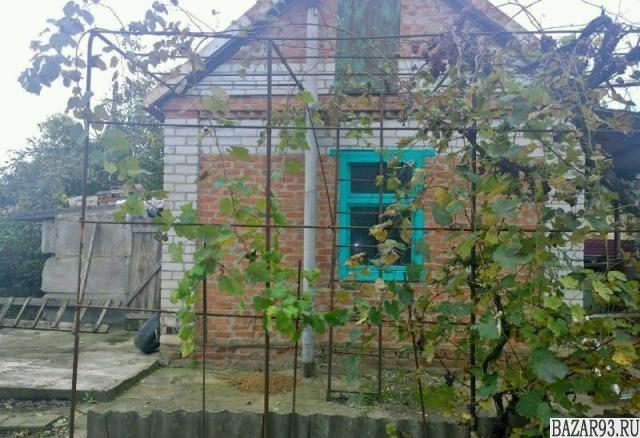 Продам дачу 1-этажный дом 26 м² ( кирпич )  на участке 5 сот.  ,  1 км до города