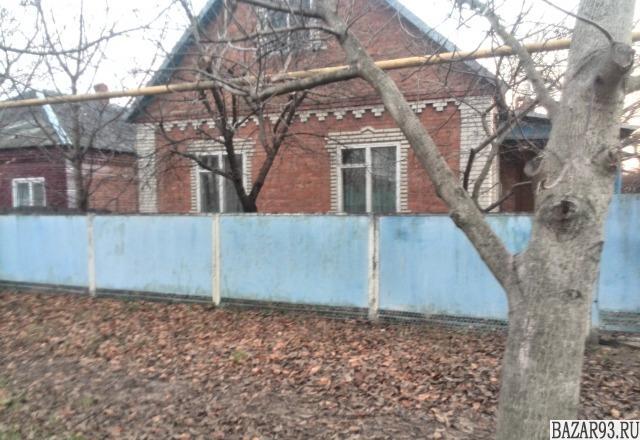 Продам дом 1-этажный дом 105 м² ( кирпич )  на участке 30 сот.  ,  10 км до горо