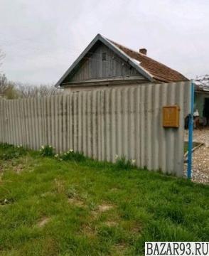 Продам дом 1-этажный дом 40 м² ( кирпич )  на участке 80 сот.  ,  19 км до город