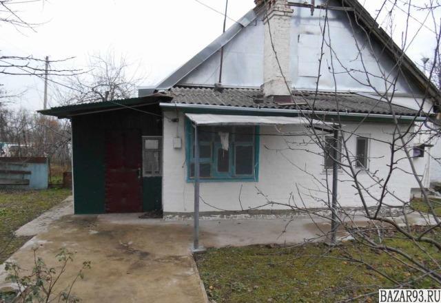 Продам коттедж 1-этажный коттедж 41 м² ( кирпич )  на участке 5 сот.  ,  5 км до