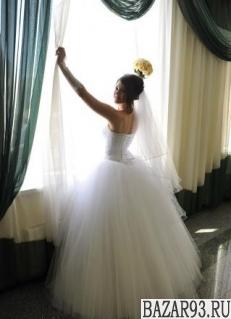 Свадебное платье и полный набор невесты