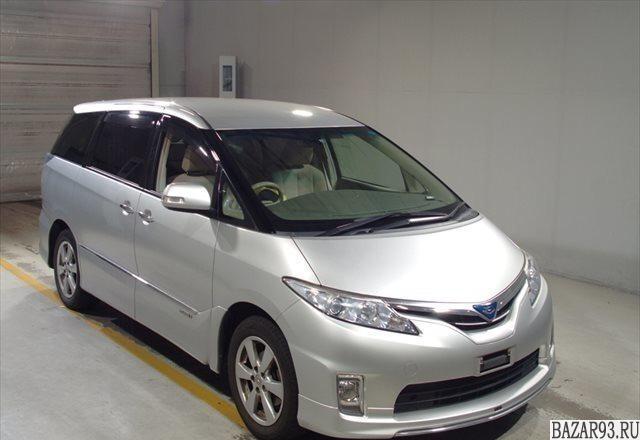 Toyota Estima,  2011