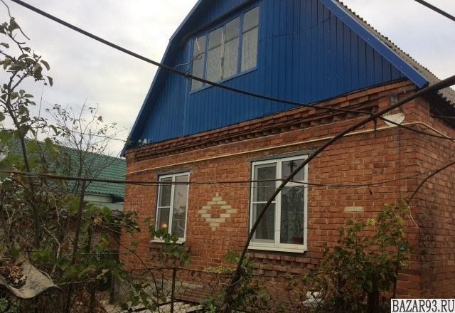 Продам дом 1-этажный дом 68 м² ( кирпич )  на участке 8. 2 сот.  ,  в черте горо
