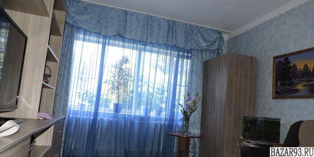 Продам дом 1-этажный дом 70 м² ( кирпич )  на участке 12 сот.  ,  в черте города