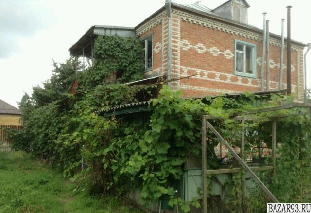 Продам дом 2-этажный дом 110 м² ( кирпич )  на участке 4 сот.  ,  в черте города