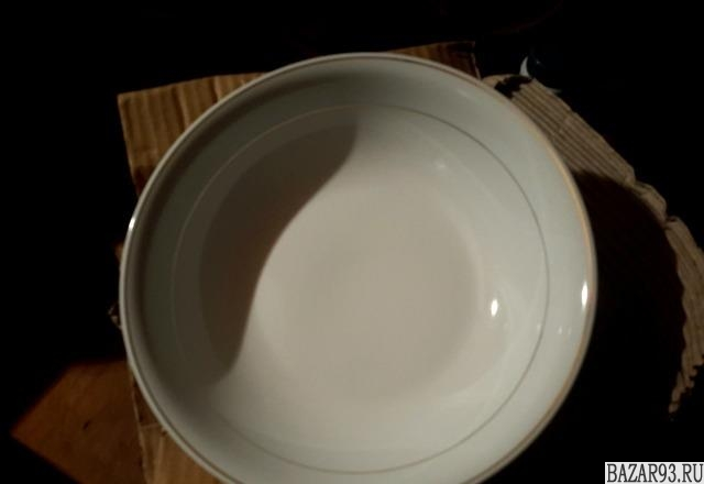 Набор посуды из 20 тарелок