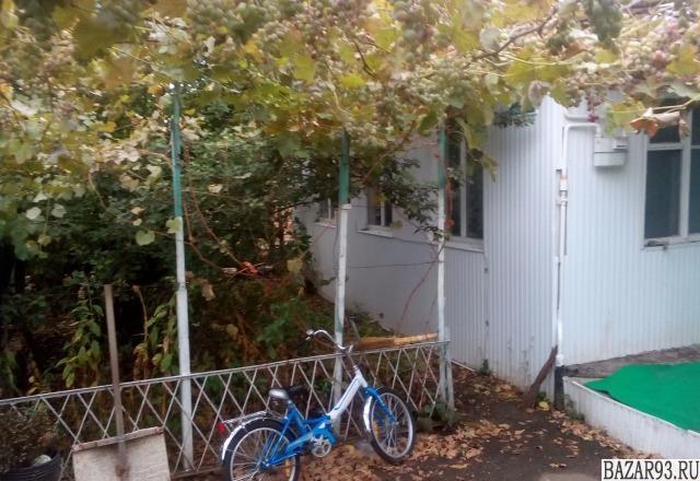 Продам дом 1-этажный дом 56 м² ( кирпич )  на участке 6 сот.  ,  в черте города