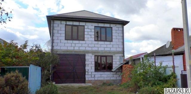 Продам дом 2-этажный дом 203 м² ( пеноблоки )  на участке 4 сот.  ,  в черте гор