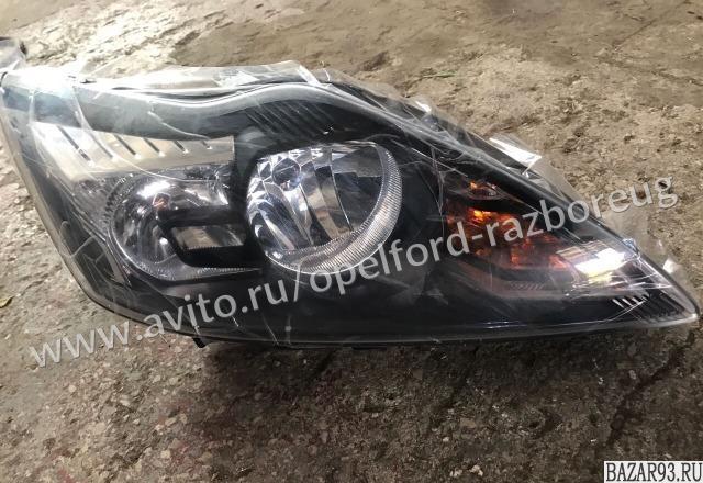 Фара передняя правая чёрная Форд фокус 2 рестайлин