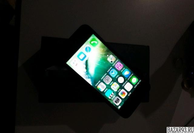 "Айфон 5 ""16""гигов"