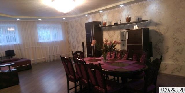 Продам дом 2-этажный дом 280 м² ( кирпич )  на участке 8 сот.  ,  в черте города