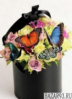 Коробка с цветами Весенний Ветер и живые бабочки