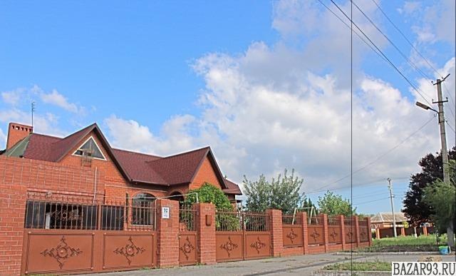 Продам дом 1-этажный дом 300 м² ( кирпич )  на участке 10 сот.  ,  в черте город