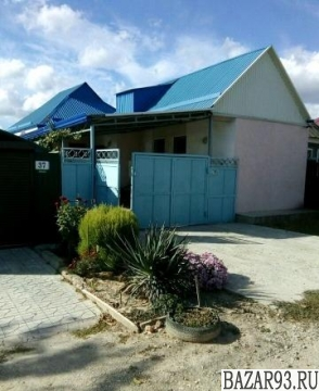 Продам дом 1-этажный дом 90 м² ( кирпич )  на участке 4 сот.  ,  в черте города