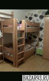 Кровать 2х.  ярусная