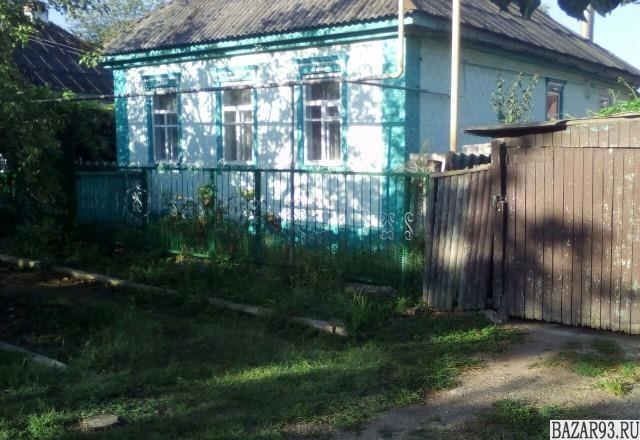 Продам дом 1-этажный дом 100 м² ( кирпич )  на участке 11 сот.  ,  в черте город