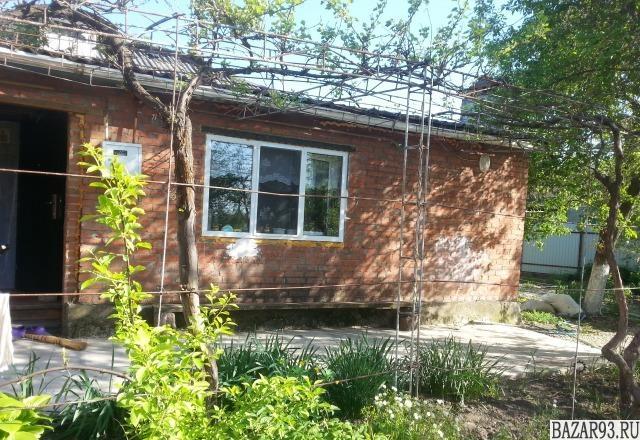 Продам дом 1-этажный дом 62 м² ( кирпич )  на участке 6 сот.  ,  в черте города