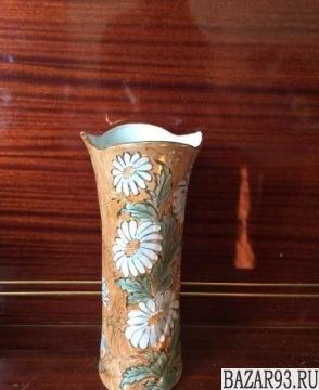 Продаю фарфоровую вазу ручной работы