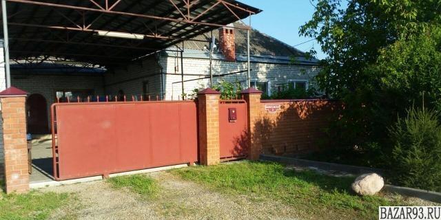 Продам дом 1-этажный дом 165 м² ( кирпич )  на участке 10 сот.  ,  в черте город