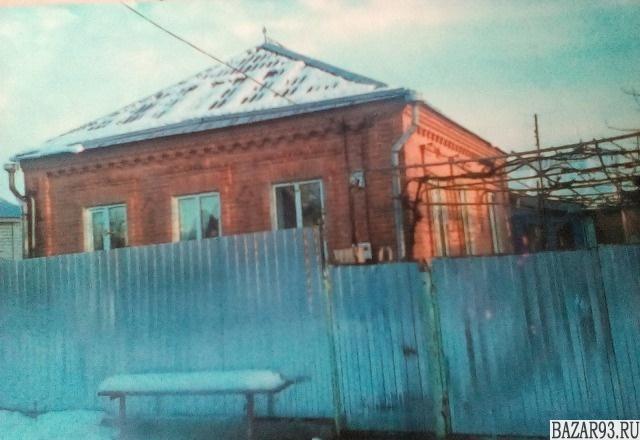 Продам дом 1-этажный дом 90 м² ( кирпич )  на участке 6 сот.  ,  в черте города