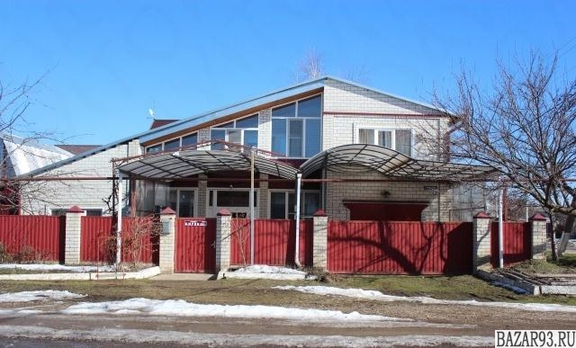 Продам дом 2-этажный дом 185 м² ( кирпич )  на участке 6 сот.  ,  в черте города