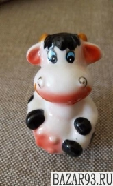 Керамическая статуэтка коровка