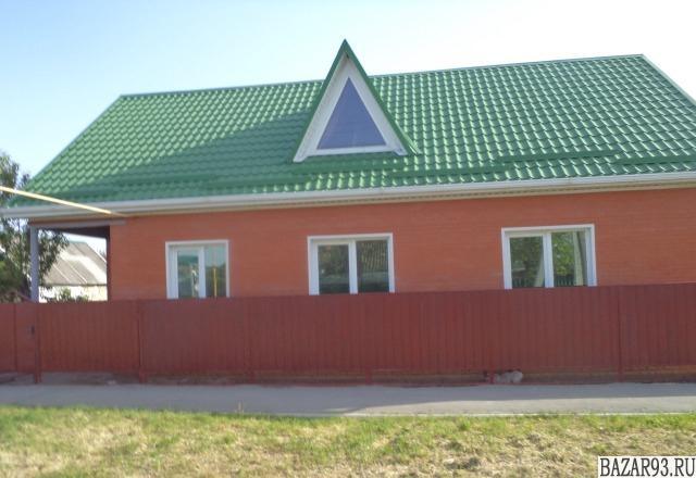 Продам дом 1-этажный дом 70 м² ( кирпич )  на участке 3 сот.  ,  в черте города