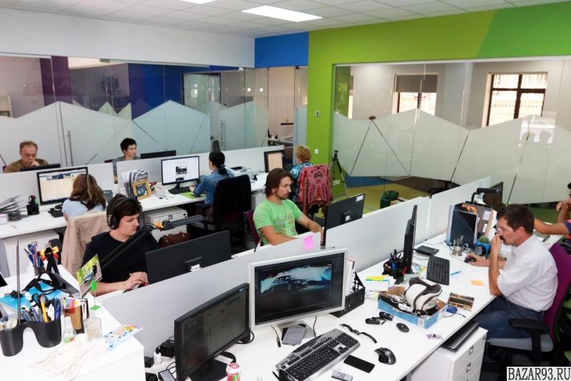Представитель крупной компании в офис (руководящее звено)