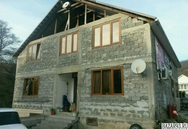 Продам дом 3-этажный дом 290 м² ( пеноблоки )  на участке 4 сот.  ,  7 км до гор