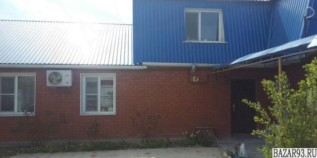 Продам дом 2-этажный дом 103 м² ( кирпич )  на участке 4 сот.  ,  в черте города